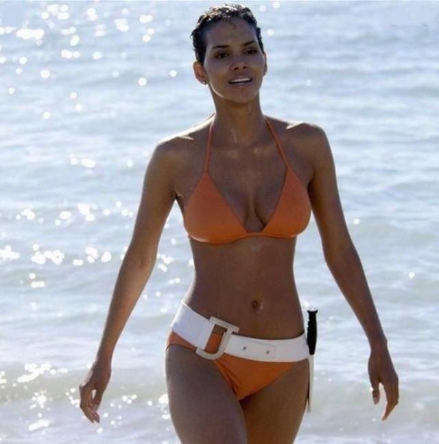 Le Bikini, une arme de destruction lascive