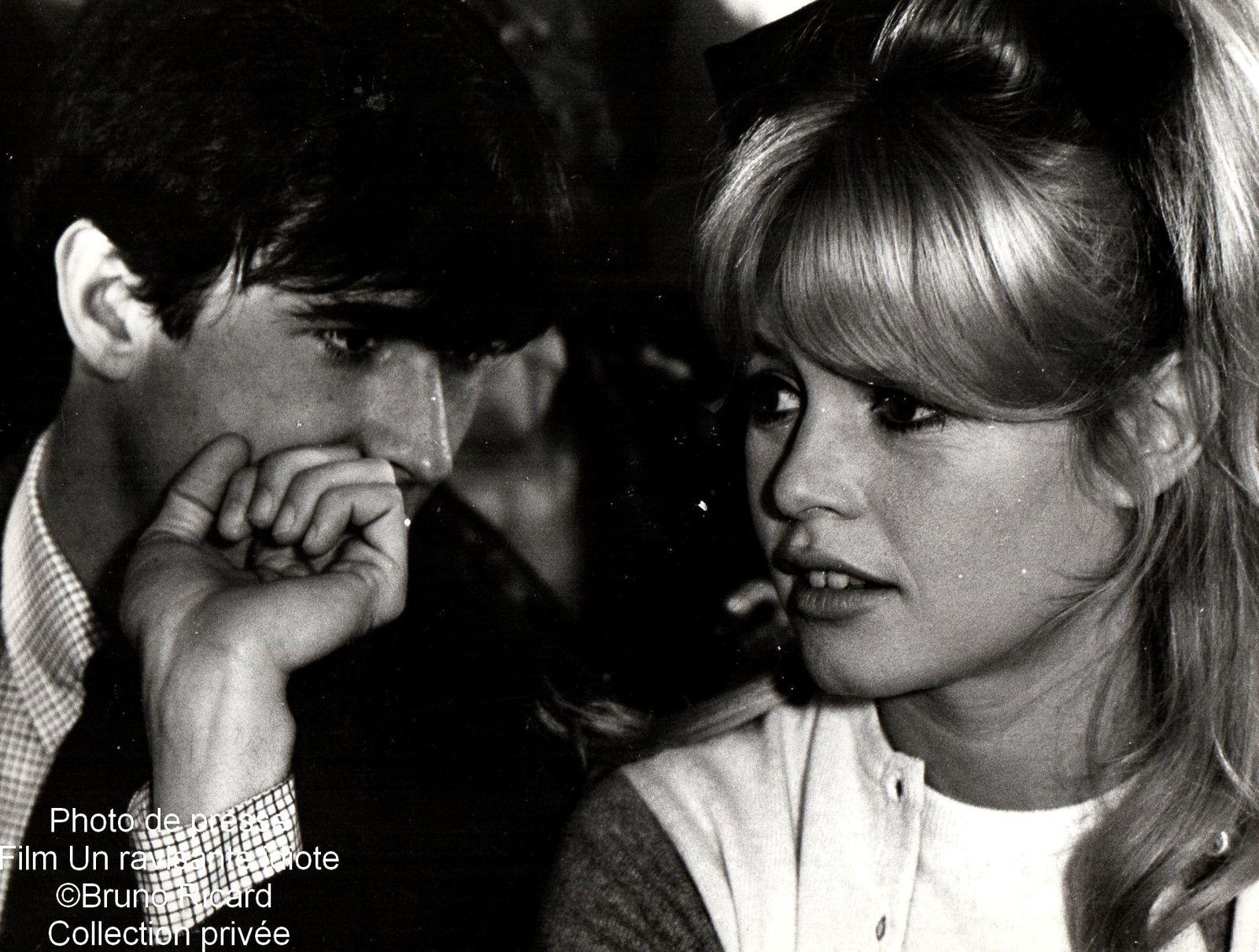 """Brigitte Bardot film """"Une ravissante idiote""""...nouvelles rentrées dans mes collections sur BB..."""