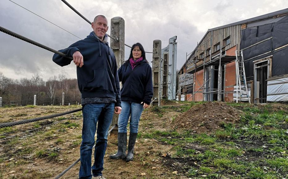 Bussière-Galant (Haute-Vienne). « On nous a pris au début pour des cinglés », confient Tony Verhulst et Sofie Goetghebeur, les deux Belges à l'origine d'Elephant Haven.