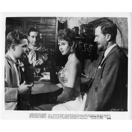 Filmographie Brigitte Bardot : Rendez-vous à Rio (Doctor at Sea) de 1955