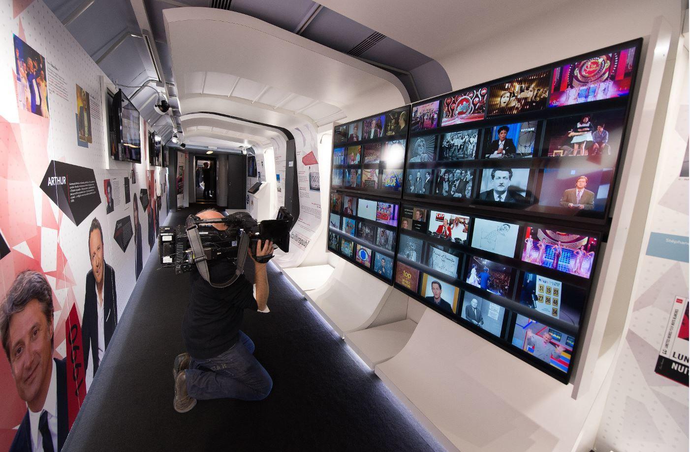 Exposition Train de la Télé : découvrez l'intérieur des wagons.