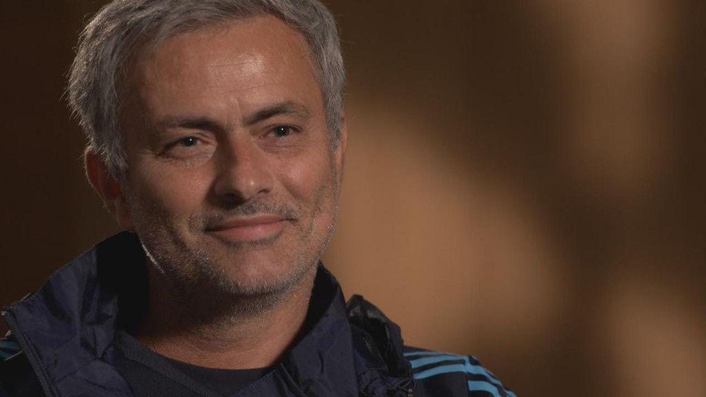 Entretien avec José Mourinho dans Téléfoot.