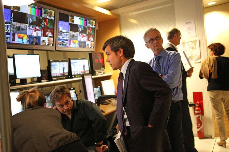 Hommage aux victimes : édition spéciale mardi matin sur TF1 et France 2.