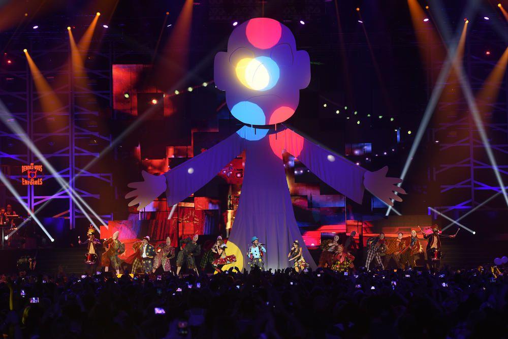 Le 11 mars sur TF1, Les Enfoirés à Bercy : photos du concert.