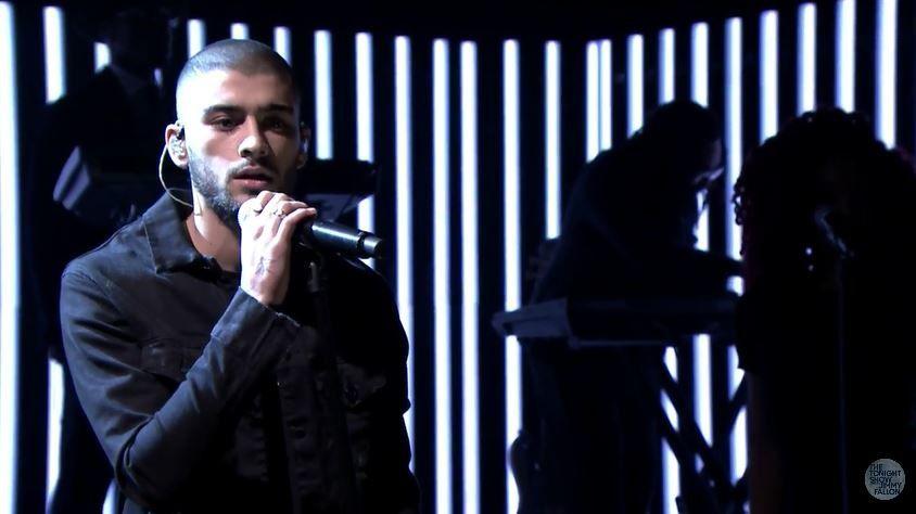Le live de Zayn, ex One Direction, dans le talk de Jimmy Fallon.