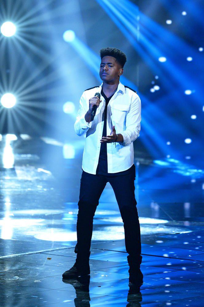 Revoir les trois prestations de Lisandro en finale de The Voice (vidéos).