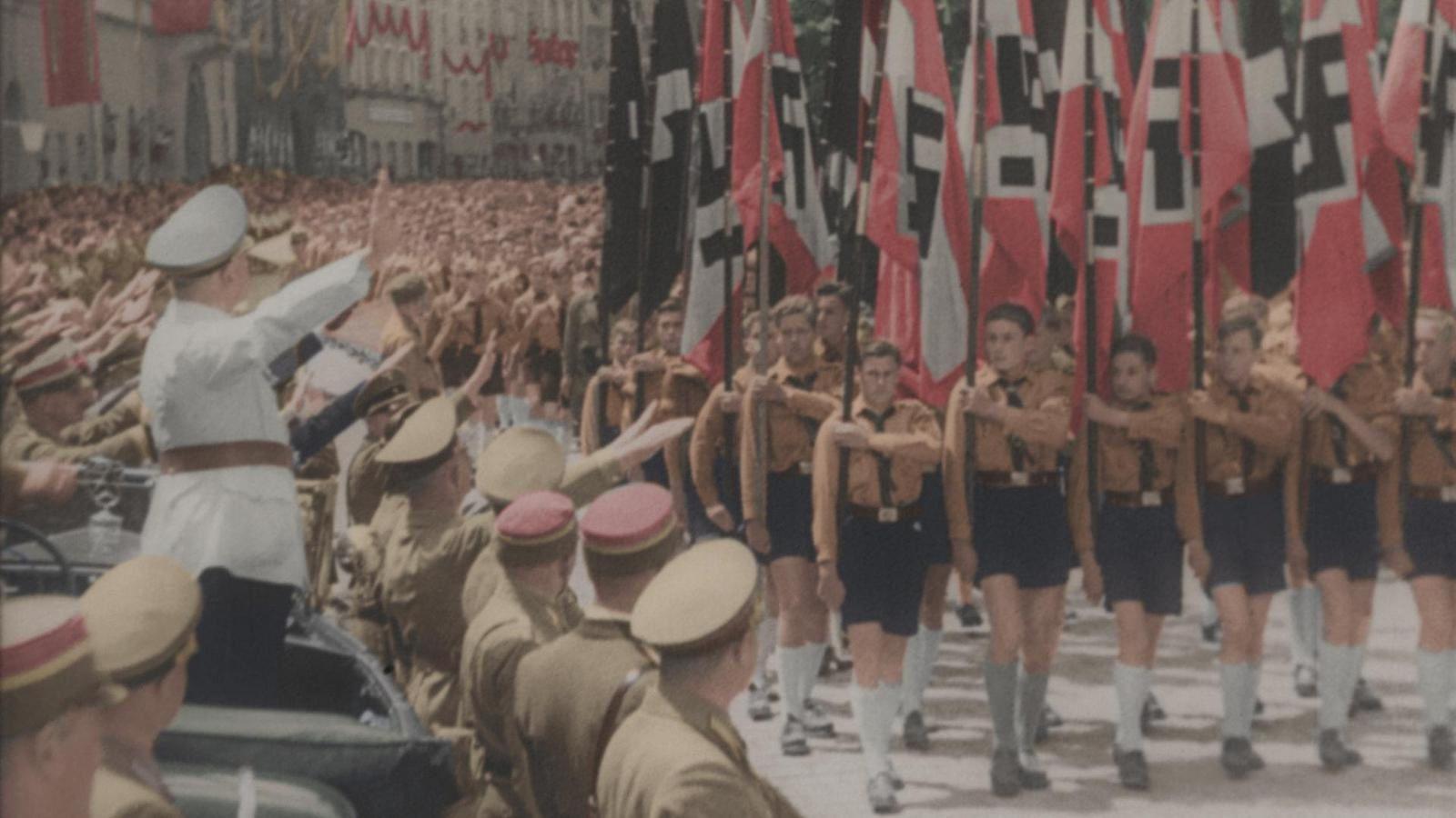 Focus sur France 2 sur le processus d'endoctrinement mené par le IIIème Reich sur la jeunesse.