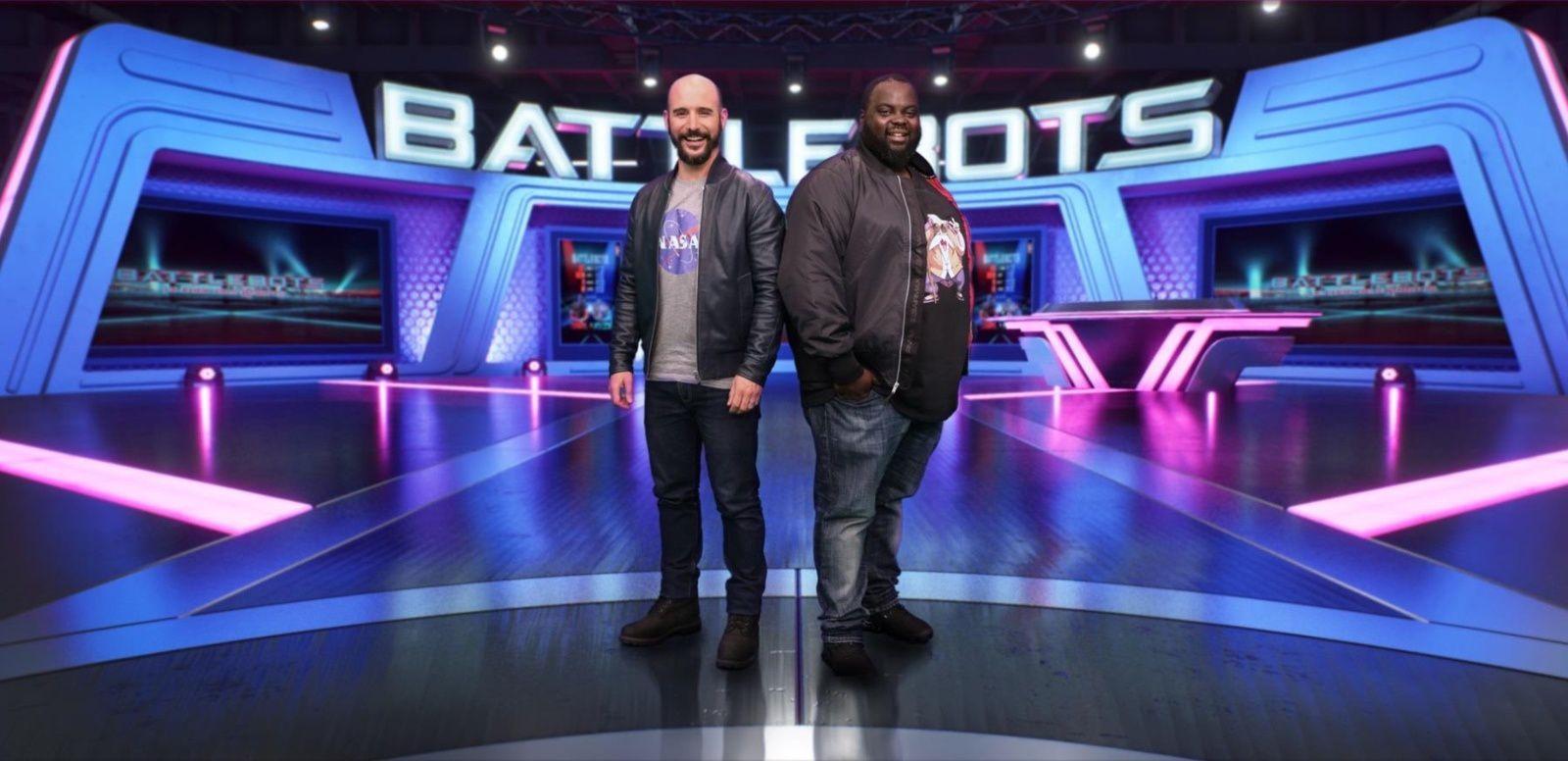 """Issa Doumbia et Cartman animateurs de """"BattleBots : Le choc des robots"""", dès ce soir."""