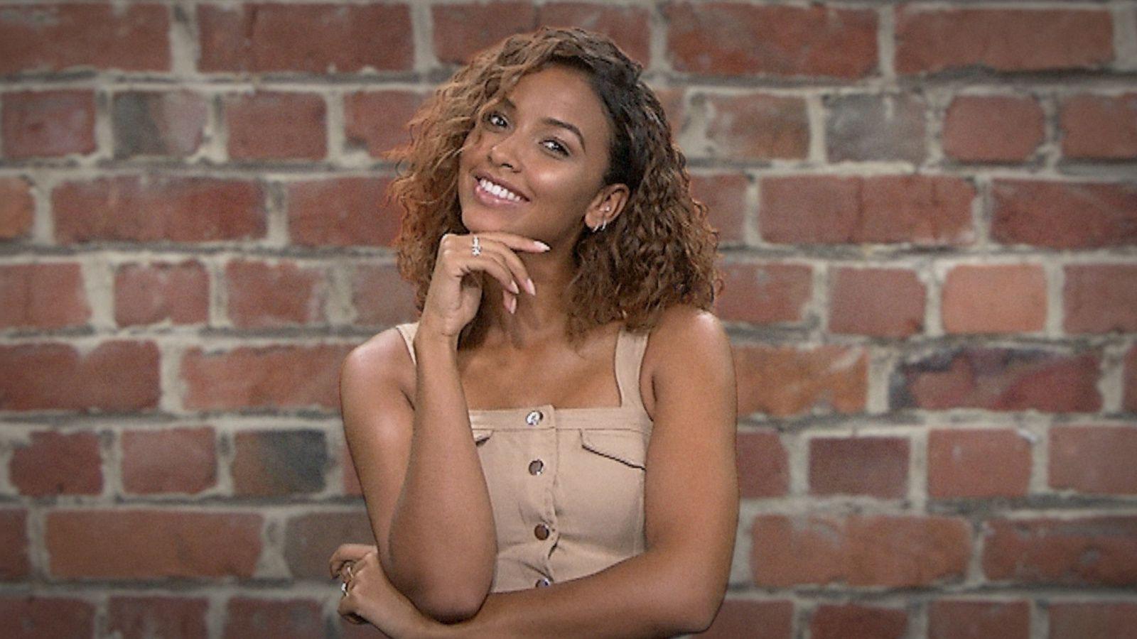 Flora Coquerel devient présentatrice sur BET et rejoint l'équipe d'animateurs de BET BREAKS.