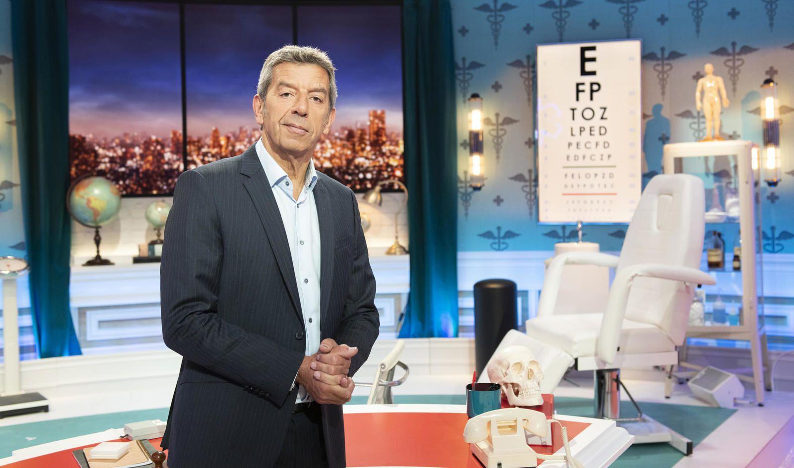 Sur France 2, Michel Cymes va aider des personnes à sortir de la sédentarisation et se reprendre en main.