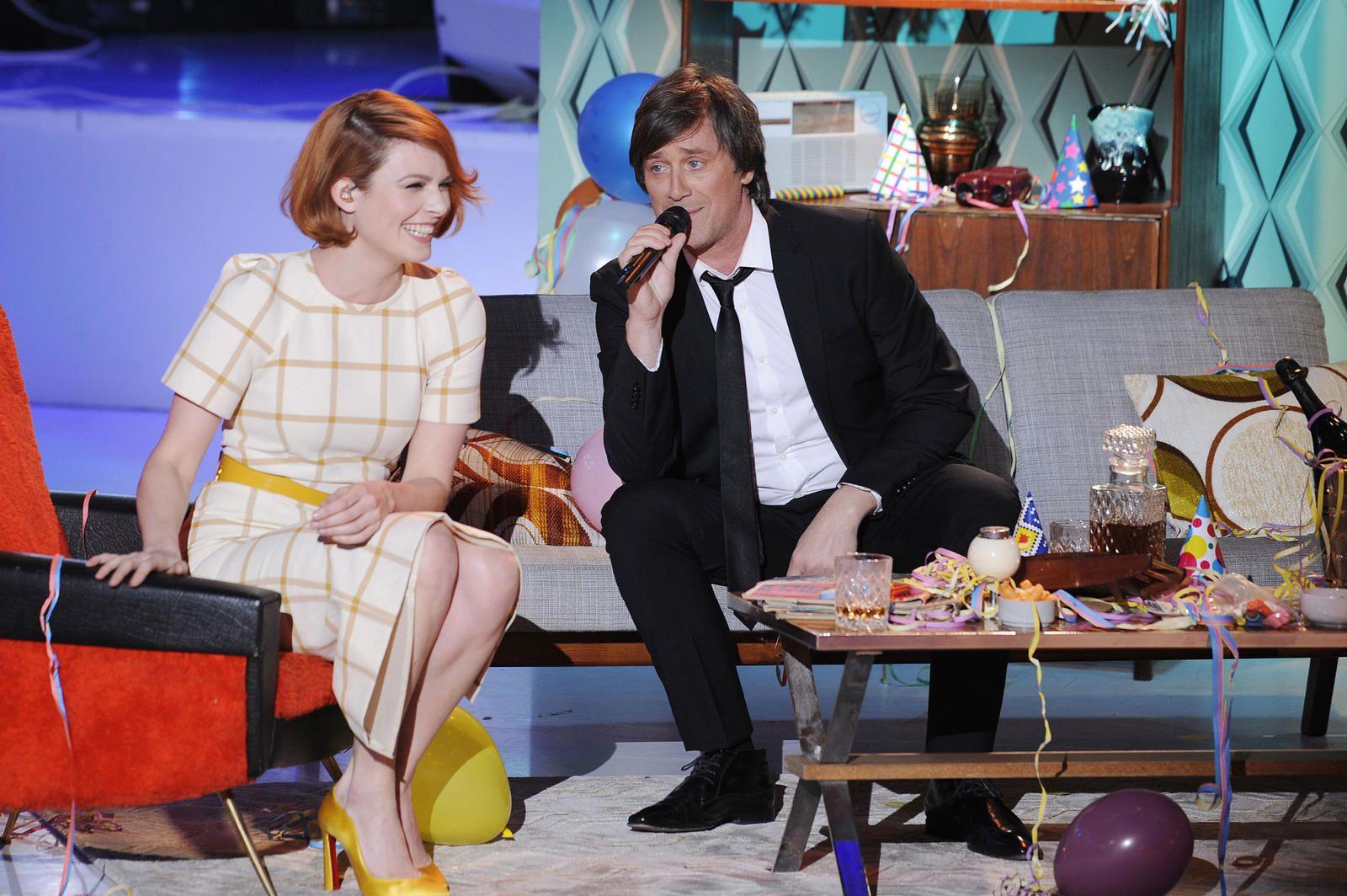Allez viens, je t'emmène... dans les sixties ! ce vendredi soir sur France 3 (extrait avec Christophe et Élodie Frégé).