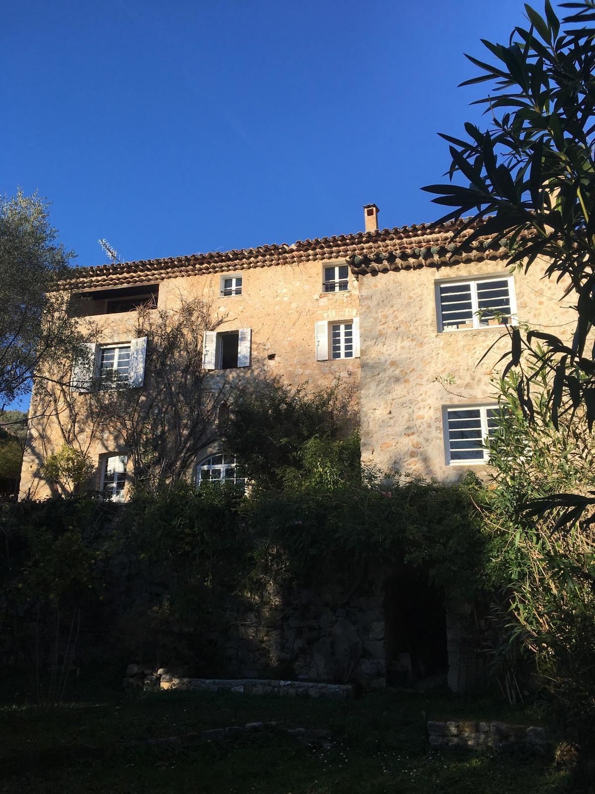 Une maison, un artiste, ce soir sur France 5 : un numéro inédit consacré au moulin de Georges Lautner.