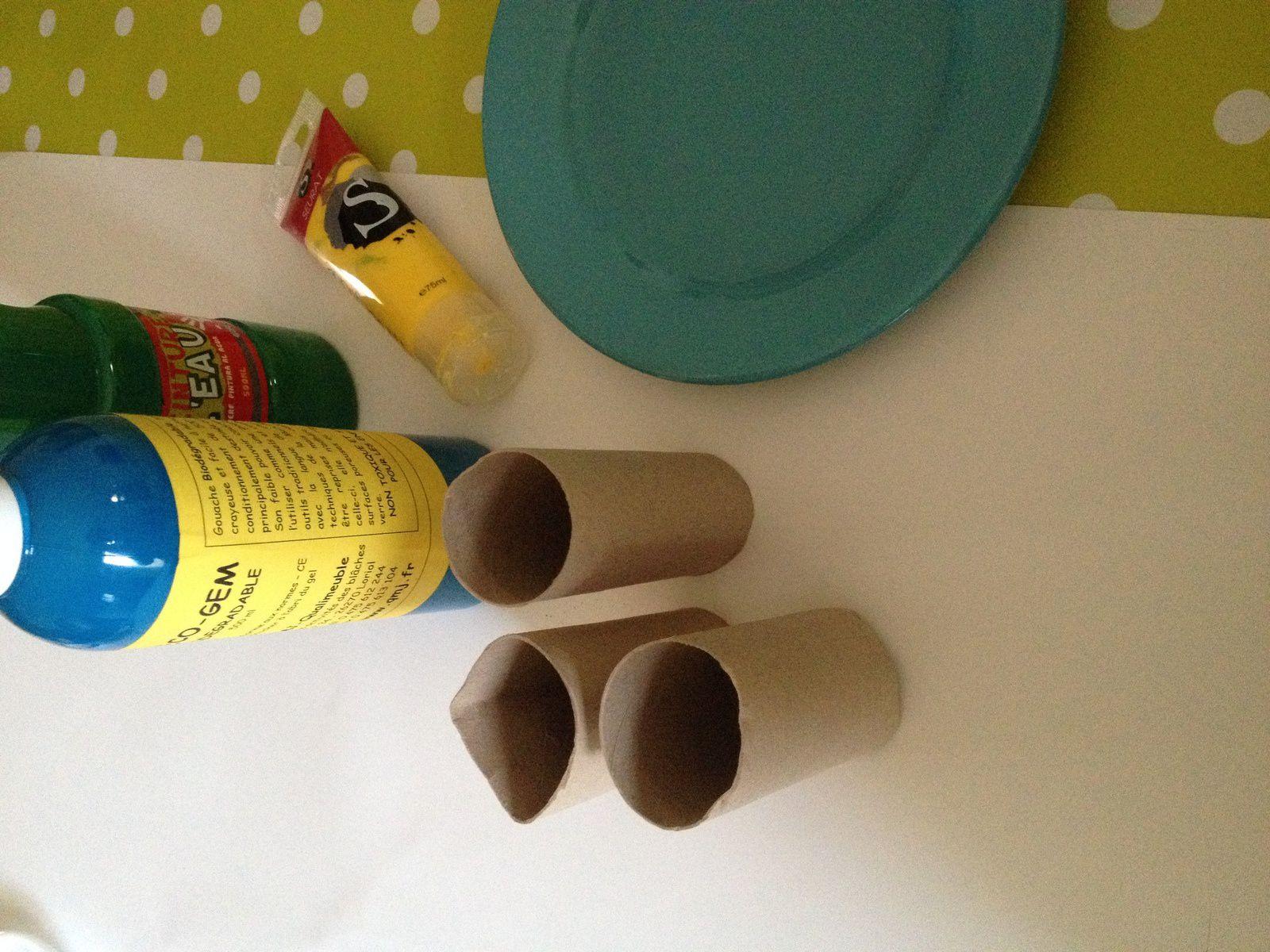 Peinture Pour Les Toilettes peinture avec des tubes en cartons (rouleaux de papier