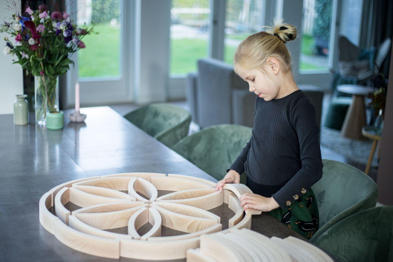 [Ludothèque] Lumière sur les Abel Blocks (Tangram Montessori)