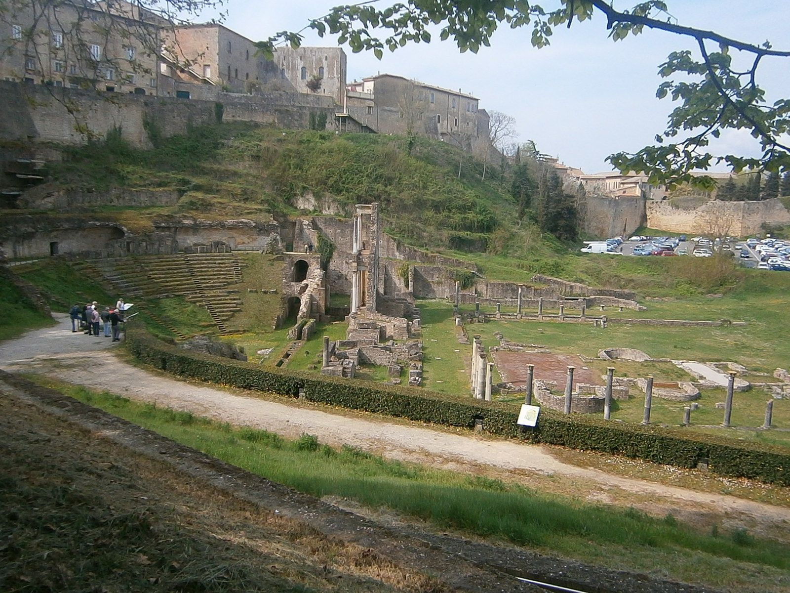 ( Le teatro romano de Volterra )