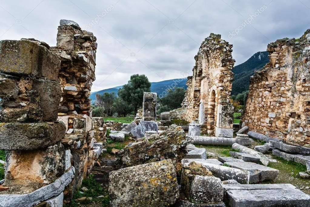 Ruines de Trézène (image libre de droit)