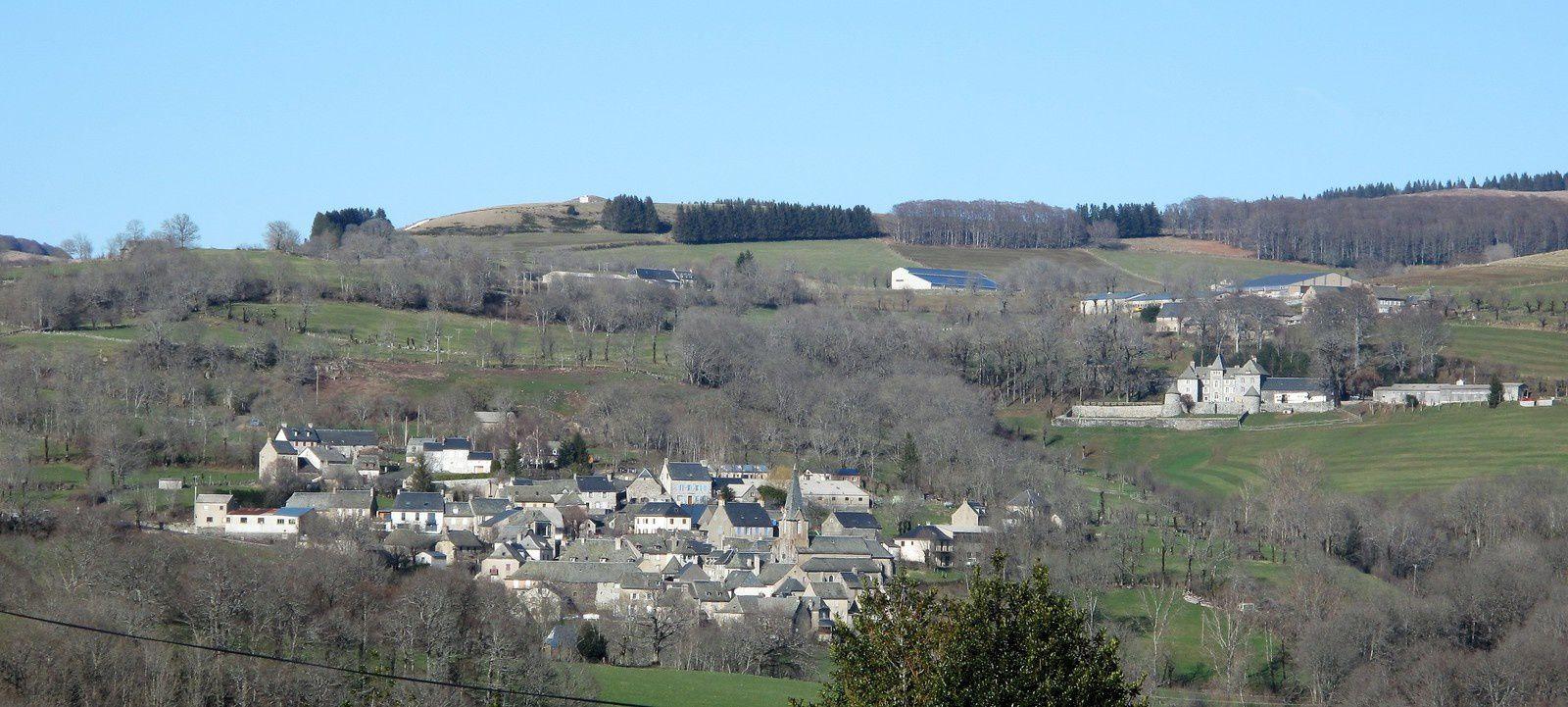 le gite, la commune de Curières