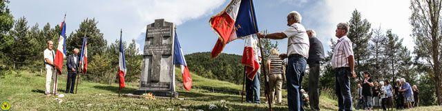 11 juin on honore le souvenir sur les stèles de Barrême , Moriez et le Col des Robines