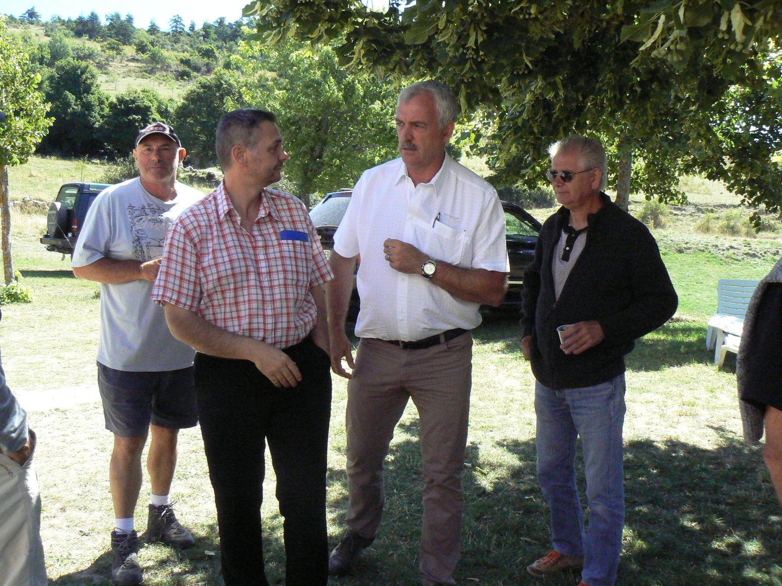 Saint André les Alpes : Le hameau de Courchons s'est réuni pour son Assemblée Générale