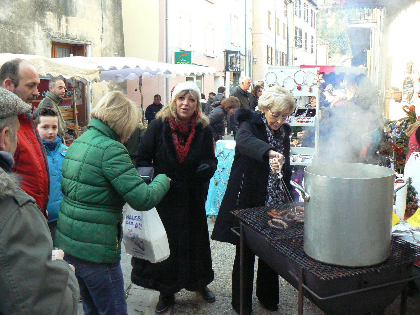 Saint André les Alpes : Le marché de Noël  brillait sous le soleil de décembre !