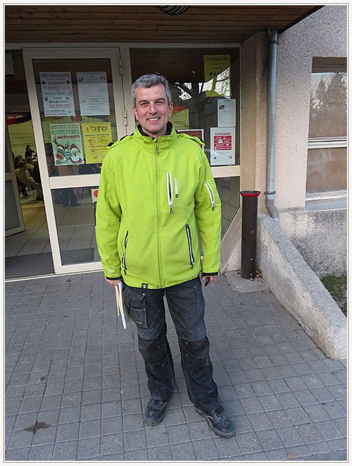 Mathias Turchi est venu rejoindre l'équipe des agents municipaux qui est désormais passée à quatre, au grand plaisir des habitants du village