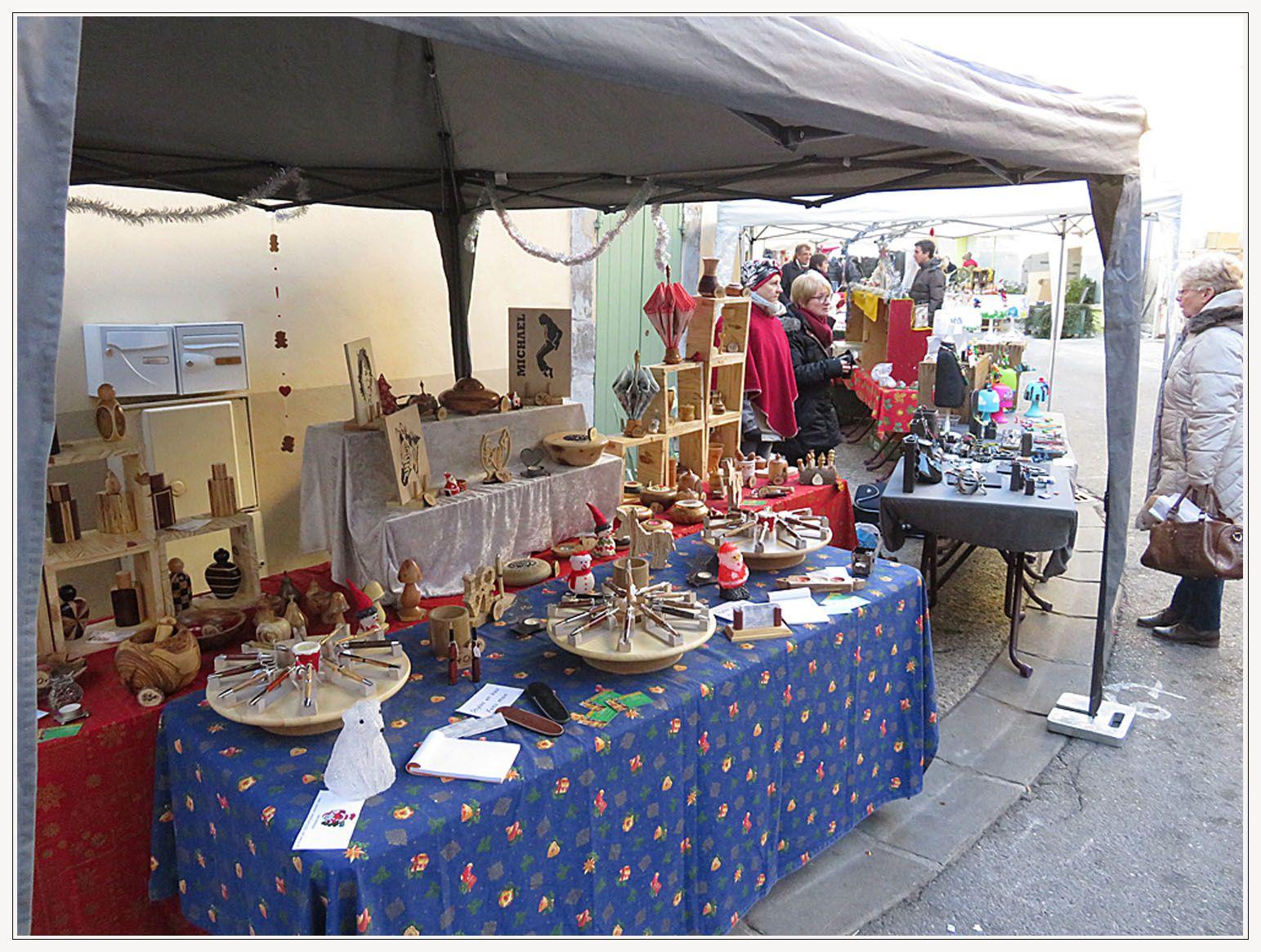 Saint André les Alpes : Un marché de Noël qui marche bien !