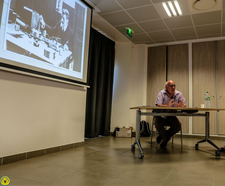"""conférence par José Banaudo, 125 ans d'histoire  """" L'Aventure du Train des Pignes"""","""