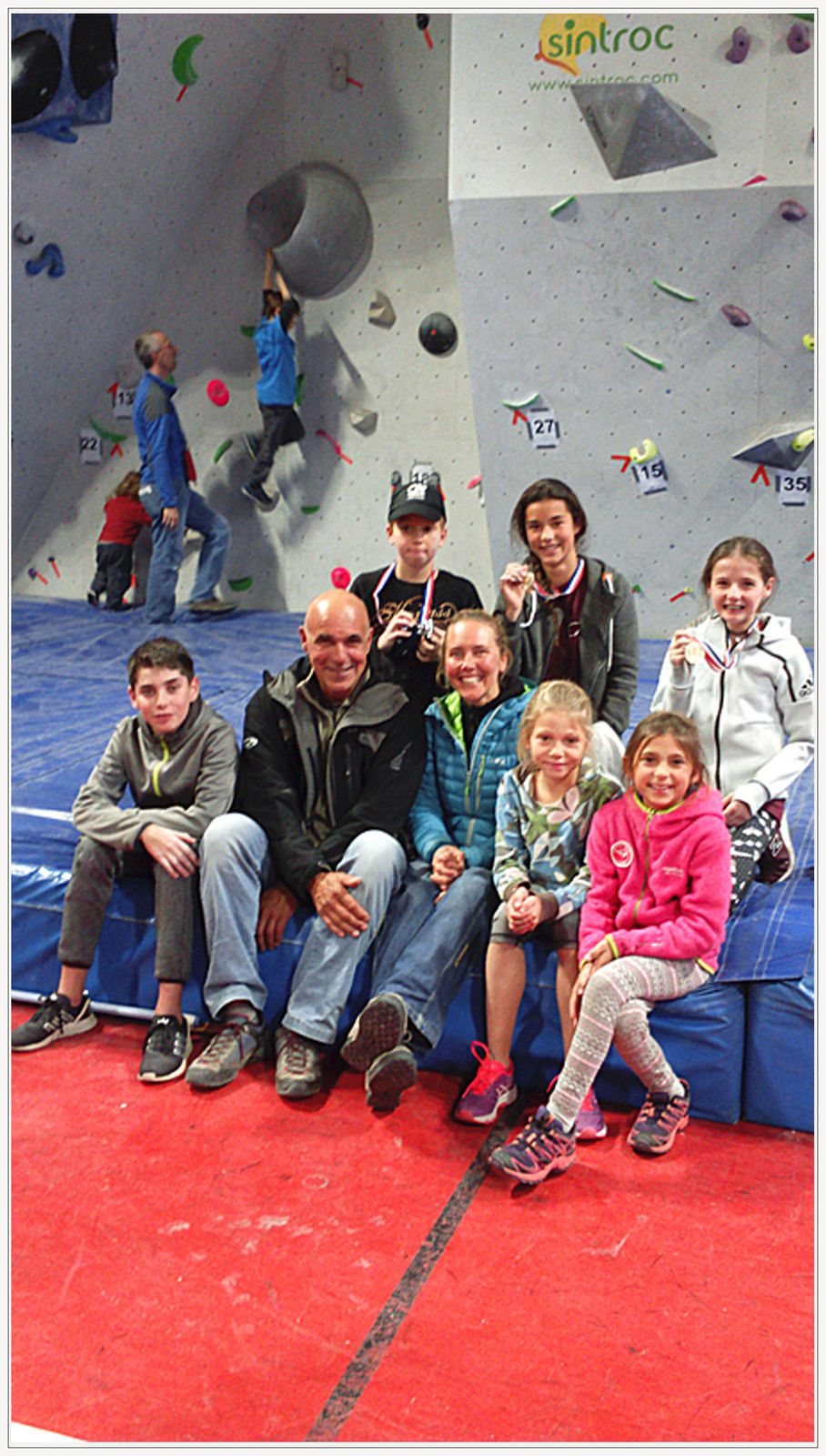 Les jeunes du Club d'Escalade «Verticale attitude»  étaient au  championnat départemental de blocs