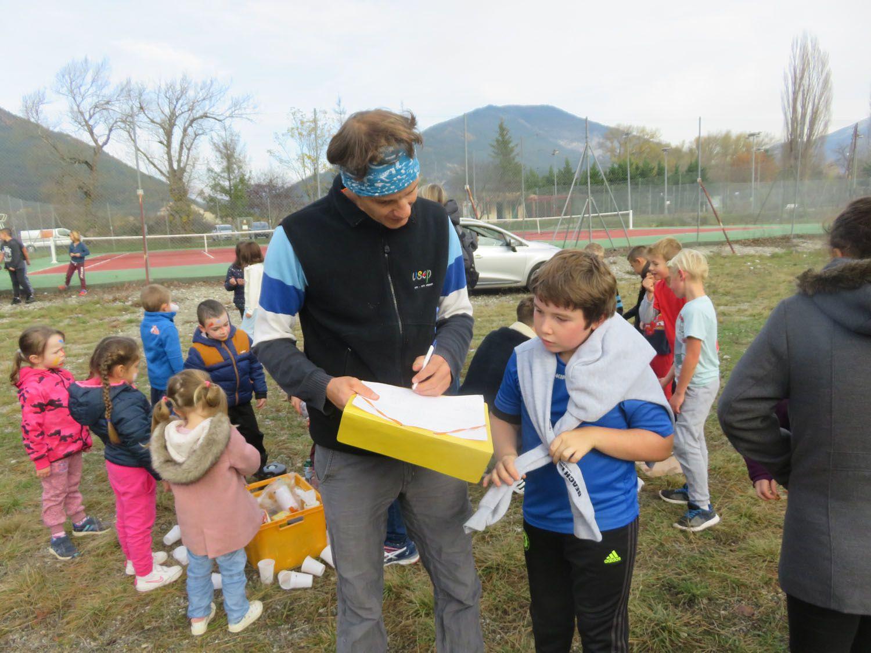 Saint André les Alpes : Un kilomètre à pied, ça use les baskets