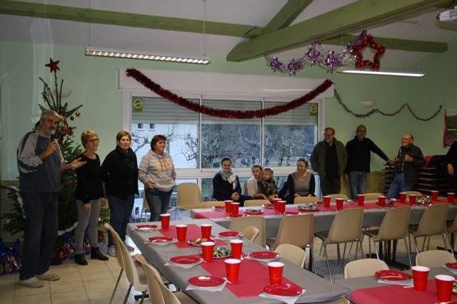 Allons  : Les rencontres de Noël et gouter inter-générationnel