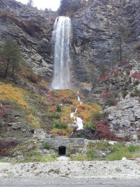 """Lambruisse : Le petit pont de la cascade """"L'Aïgo Tamiau"""" estressuscité"""