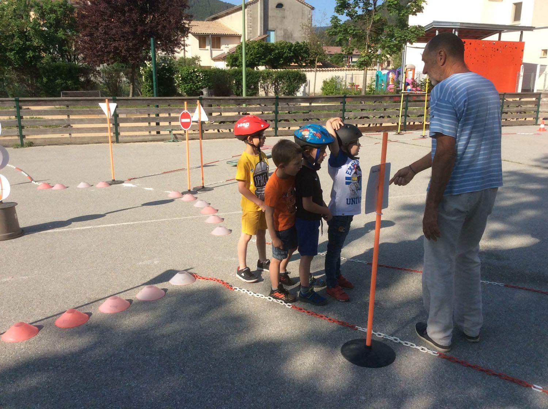 Saint André les Alpes: La sécurité à vélo commence à la maternelle!