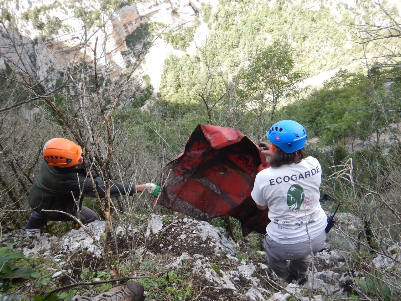 PNRV  :  Nettoyons le VerdonLa mission du weekend