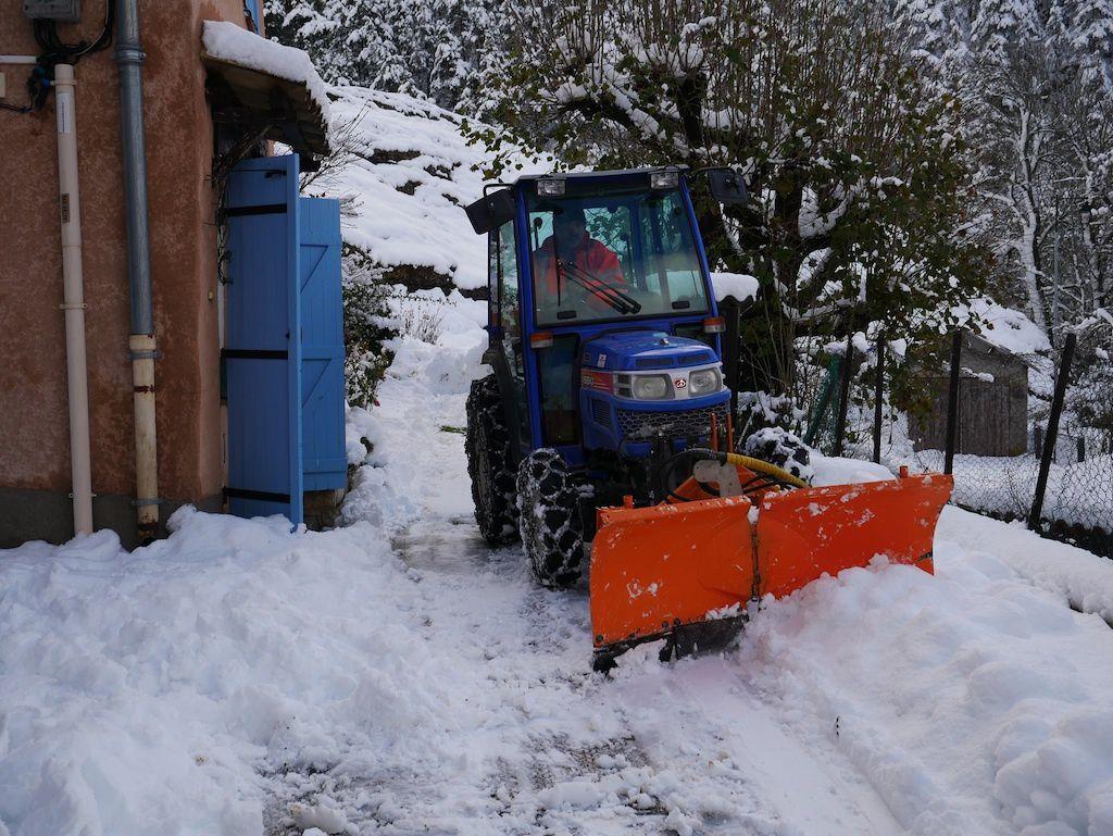 Allons  : ¨Précipitation neigeuse  et coupure de courant ...
