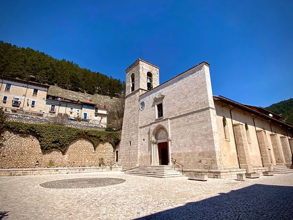Castellane  : Message de la commune jumelée (Pescasseroli ) en Italie