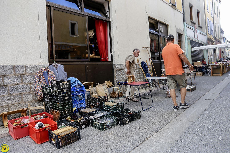 St André les Alpes : vide greniers bien programmé