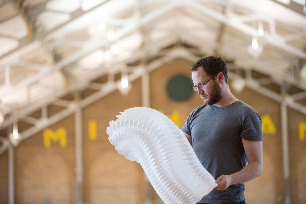 Art, science et nano structures : les oeuvres d'art en papier de Matthew Shlian