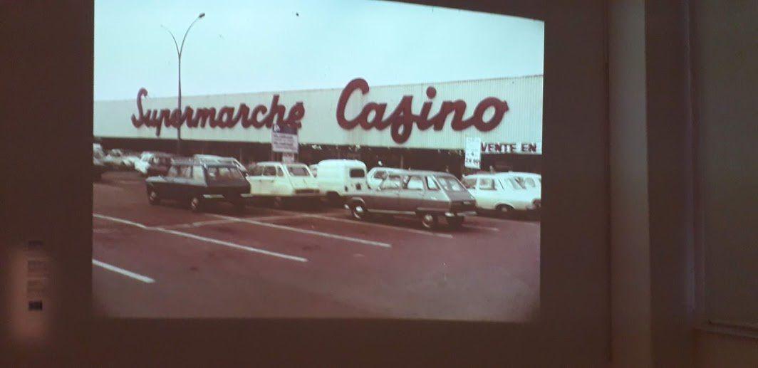 """Vendre de tout, être partout.""""Casino"""" dimanche 24 novembre"""