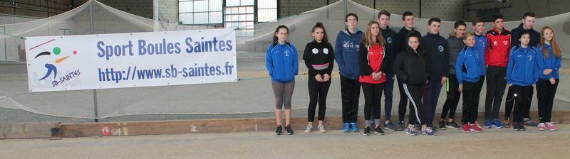 Le groupe de Jeunes venus de Corrèze, Gironde, Charente et Charente Maritime, avec leurs managers