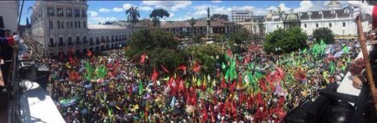 Des milliers d'Équatoriens se mobilisent pour défendre la révolution citoyenne contre le putsch des riches