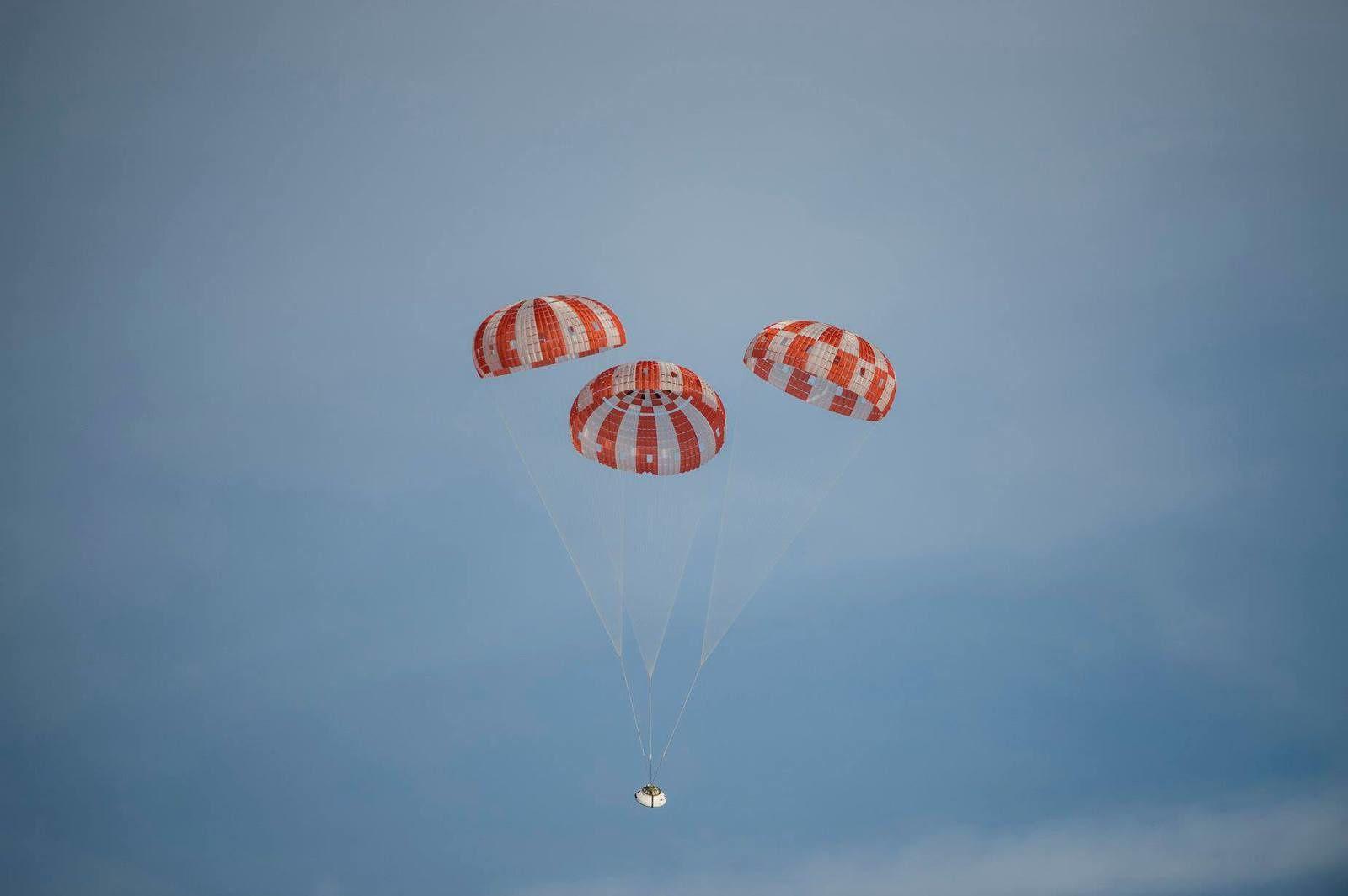 Bouclier thermique, RS-25 et parachutes...