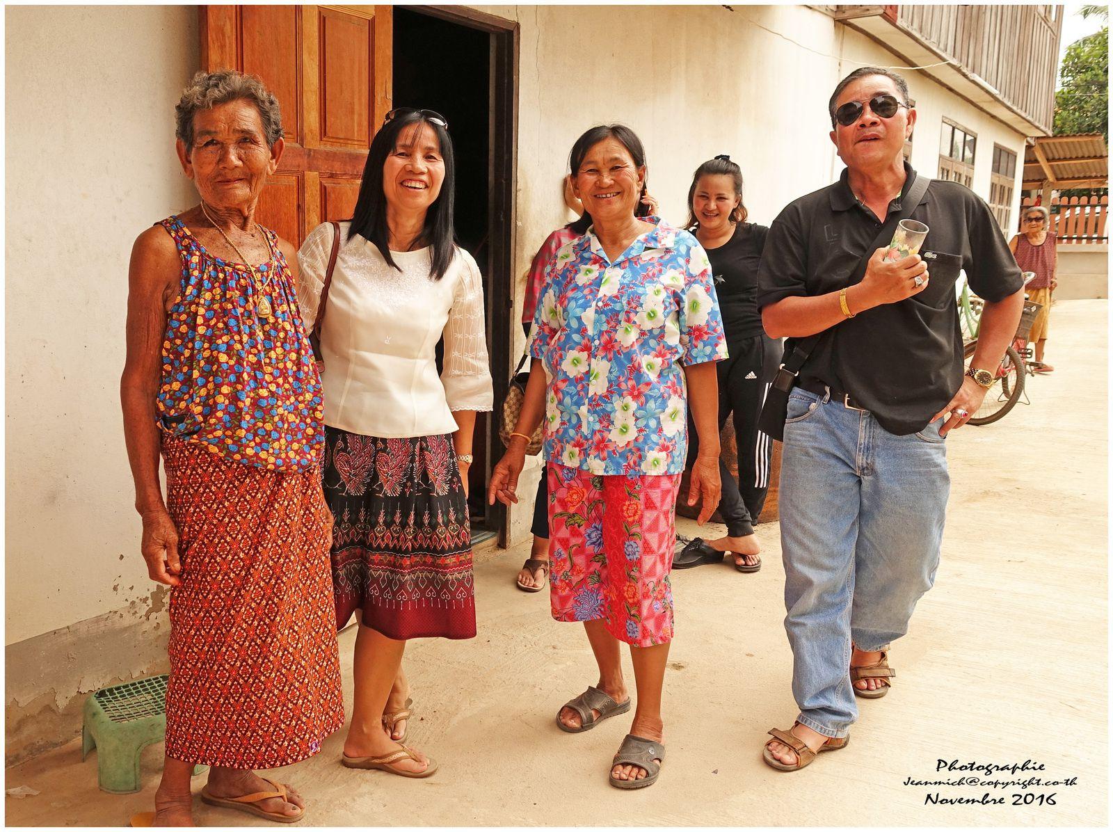 Retrouvailles au village de mon épouse.... (Thailande, Isaan)