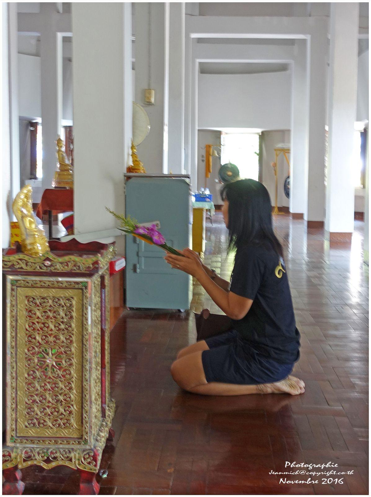 Le big Bouddha d'Ubonratana