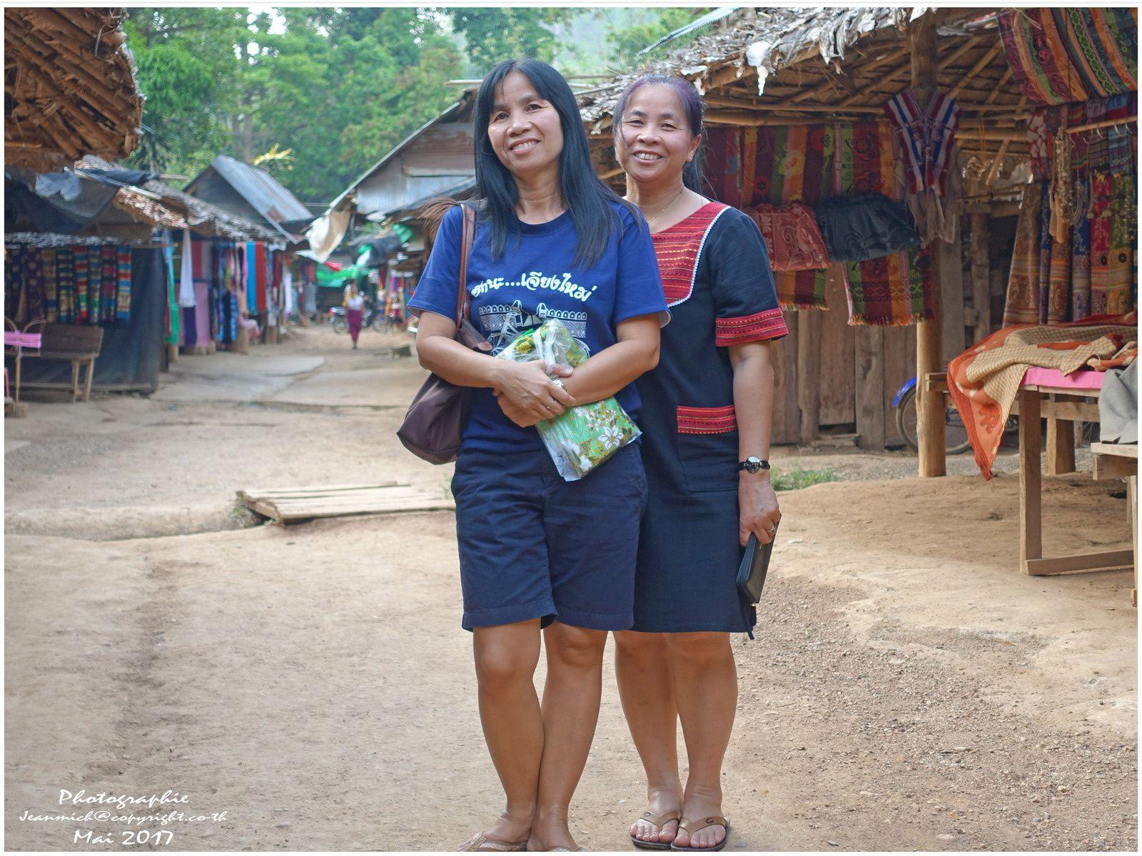 Les femmes girafes (suite ethnie Karen Thaïlande)