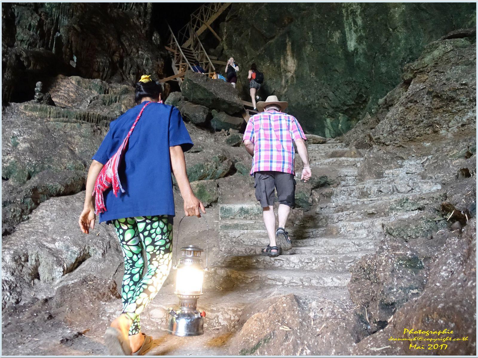 Grottes de Tham Lod (province de Mae Hong Son)
