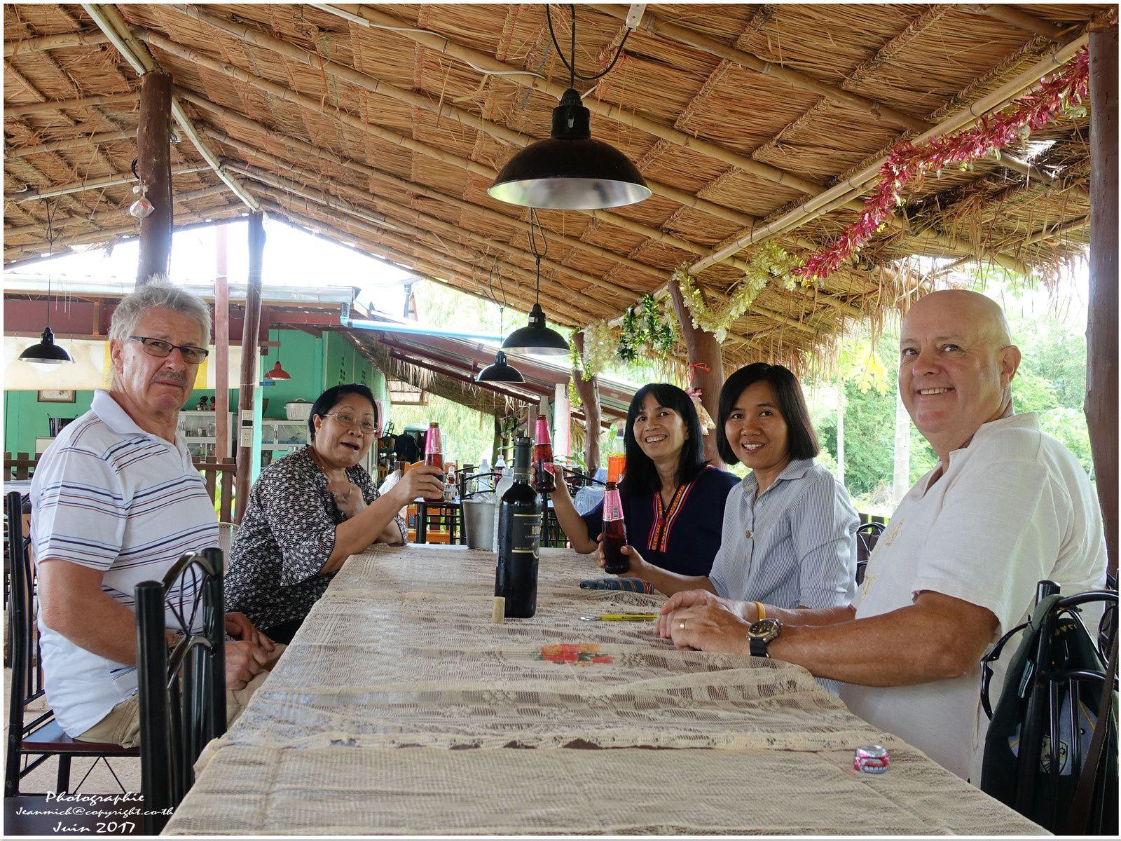Un restaurant Suisso-Thaï à Ubolratana (Thaïlande, Isaan)