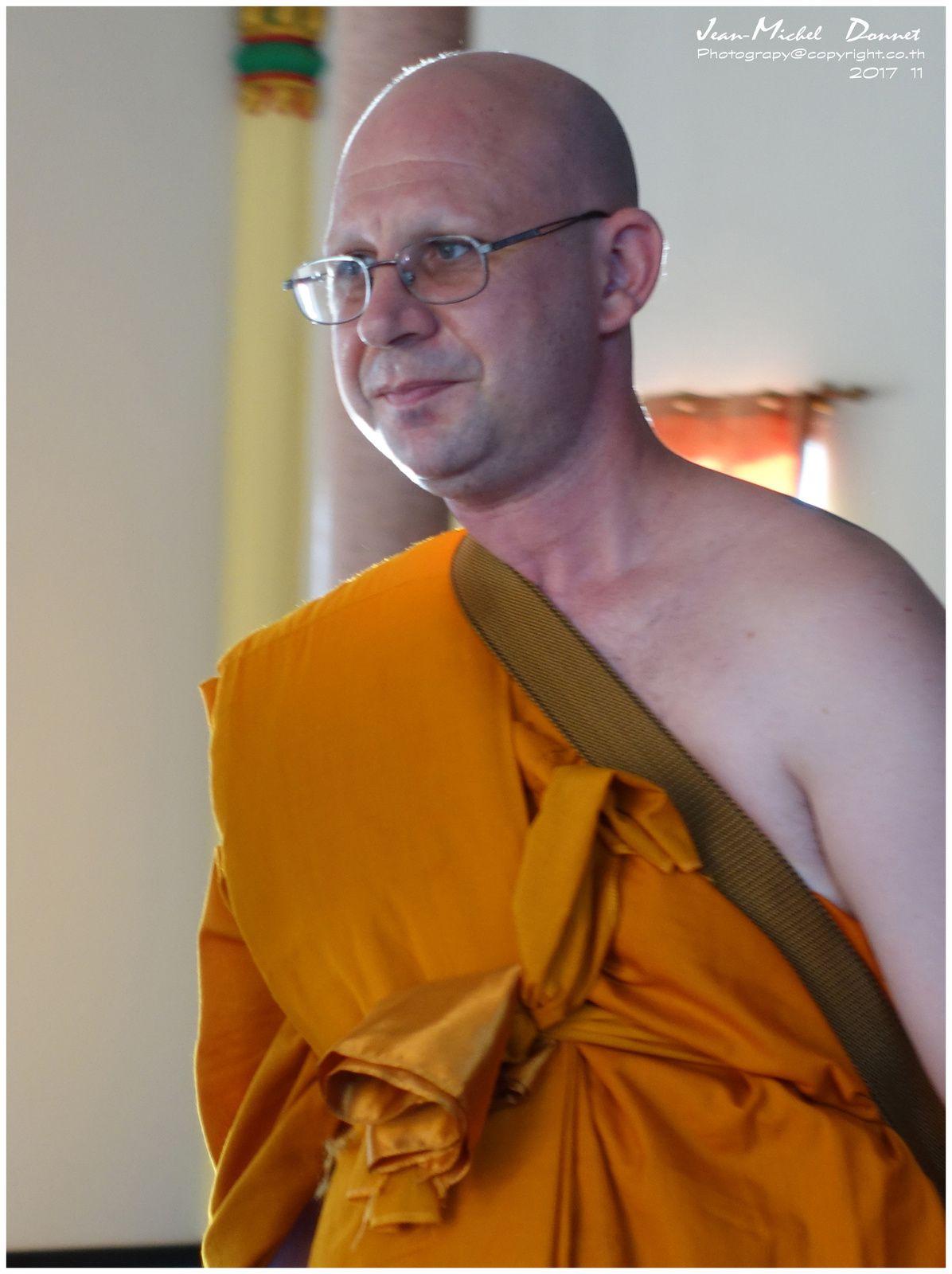 """Intronisation d'un nouveau moine """"Suisse"""" Timothy (2ème partie)"""