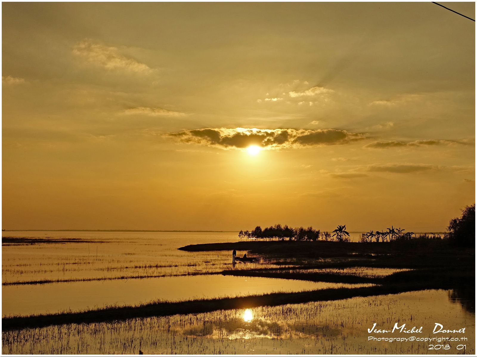 Superbe coucher de soleil (Ubonrat  Thaïlande)