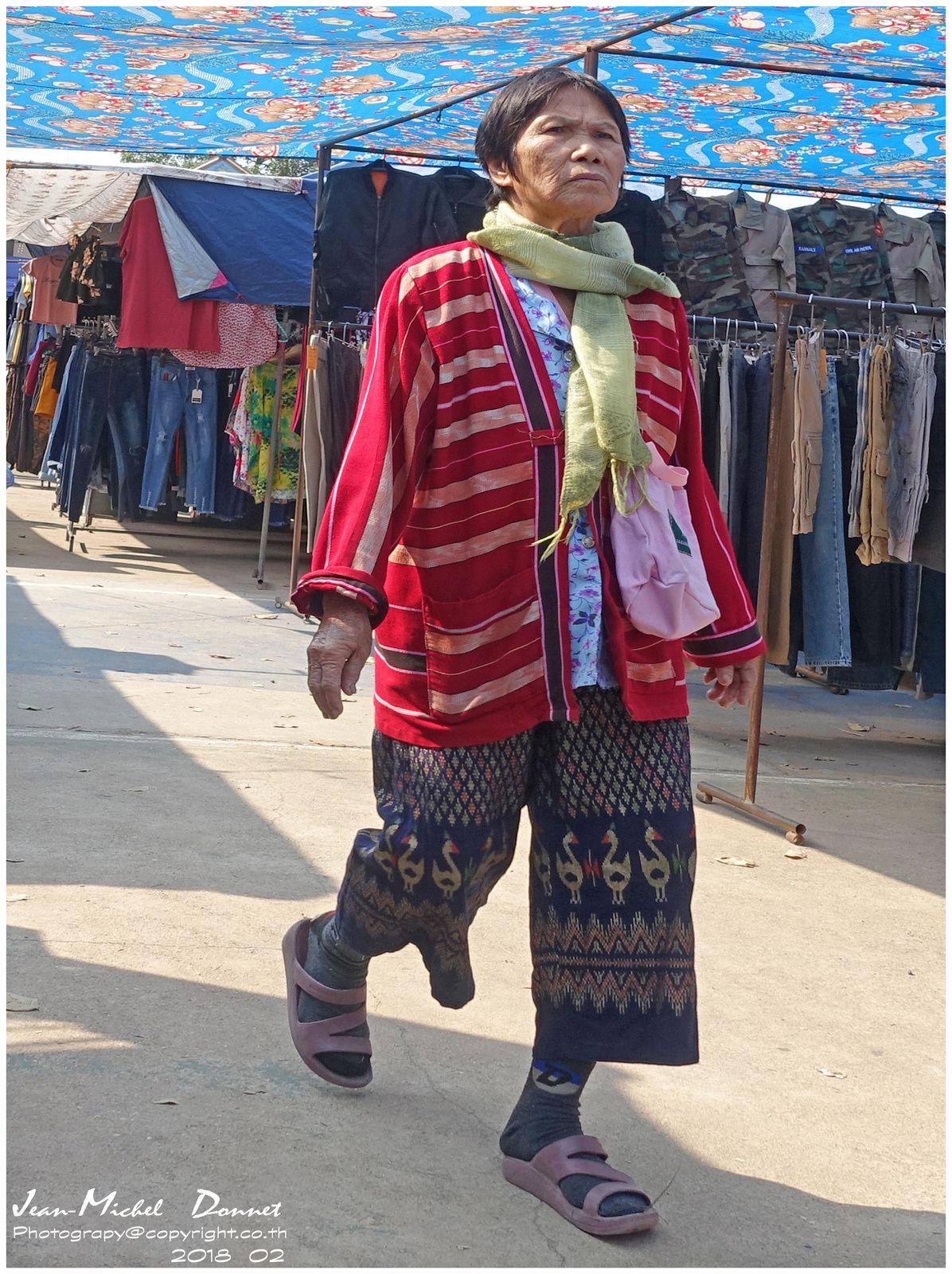 """Portraits """"un jour de marché à Ubonrat"""" (Thaïlande)"""