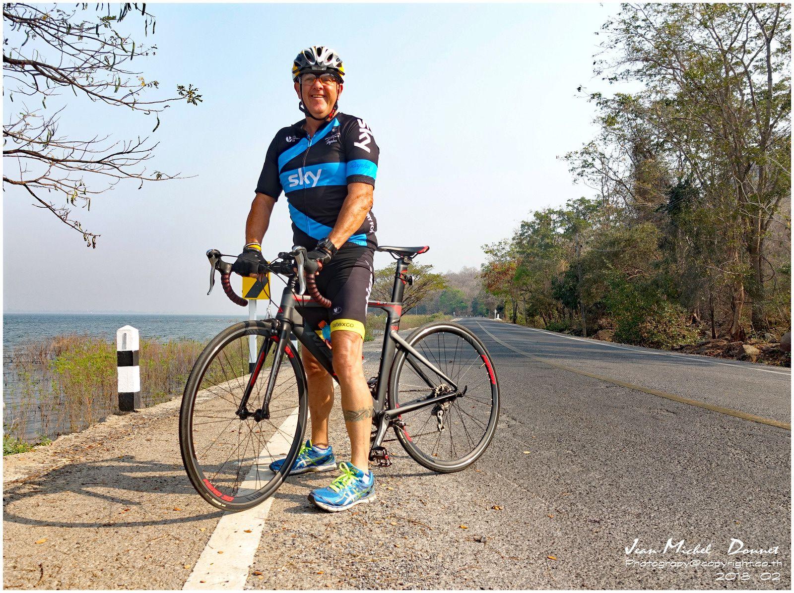 Entrainement de vélo en Thaïlande (Ubonrat)